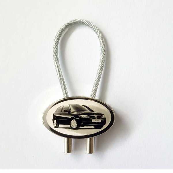 Nissan Almera Schlüsselanhänger personalisiert mit Gravur