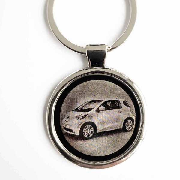 Toyota IQ Schlüsselanhänger personalisiert - original Fotogravur