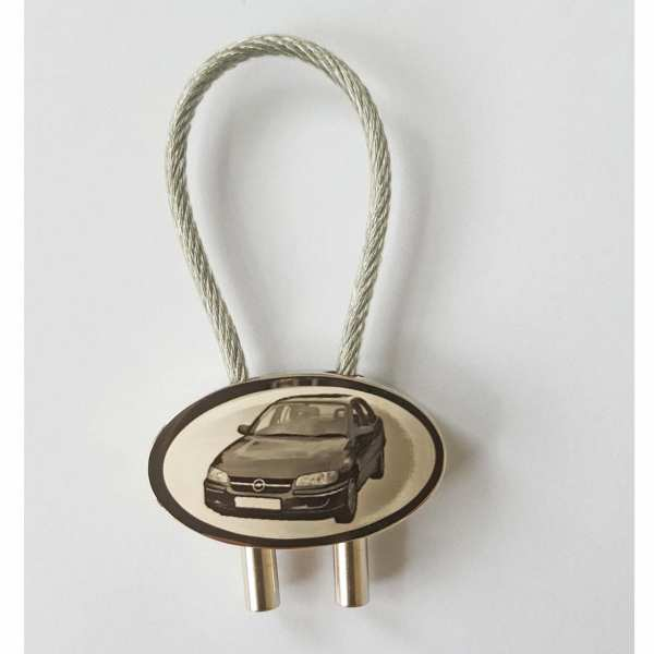 Opel Omega Schlüsselanhänger personalisiert mit Gravur