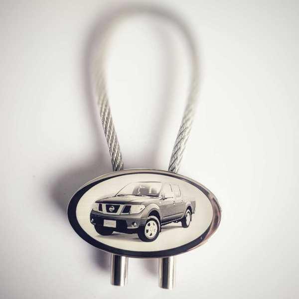 Nissan Navara Pickup Schlüsselanhänger personalisiert - original Fotogravur