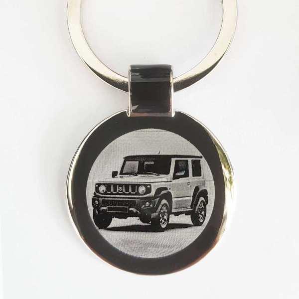 Suzuki Jimny ab 2019 Gravur Schlüsselanhänger personalisiert - original Fotogravur