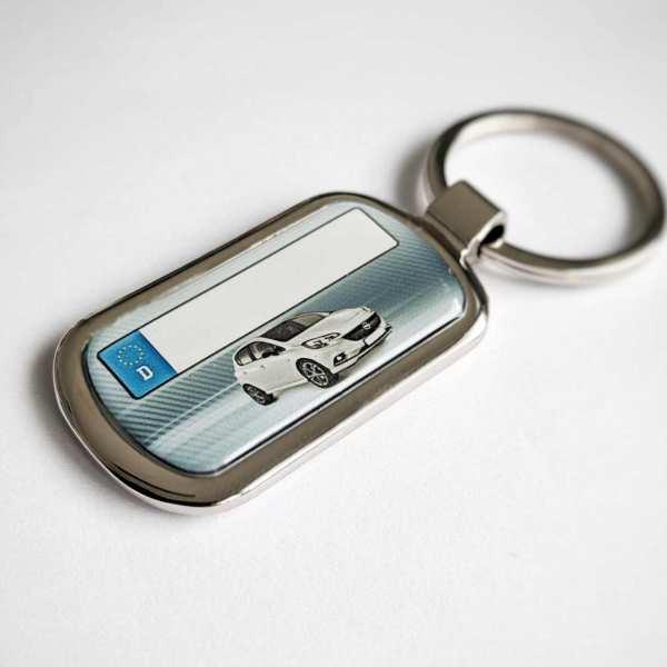 Opel Corsa ab 2018 mit Kennzeichen Schlüsselanhänger personalisiert Fotodruck mit Gravur auf der Rückseite