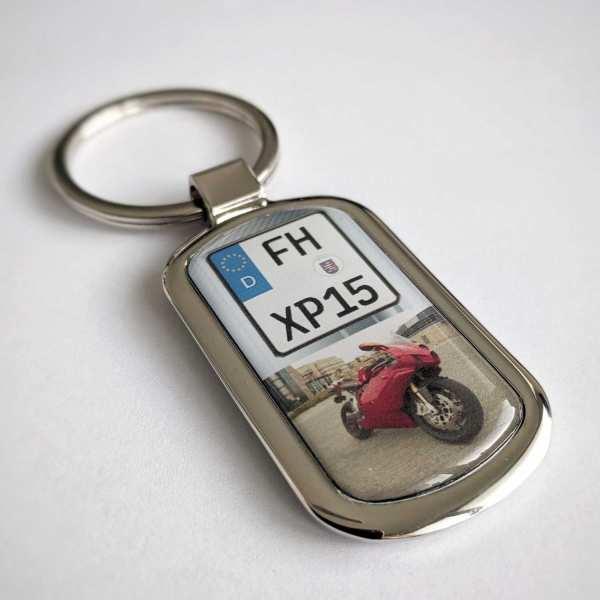 Fotogeschenk Schlüsselanhänger mit eigenem Kennzeichen und Gravur