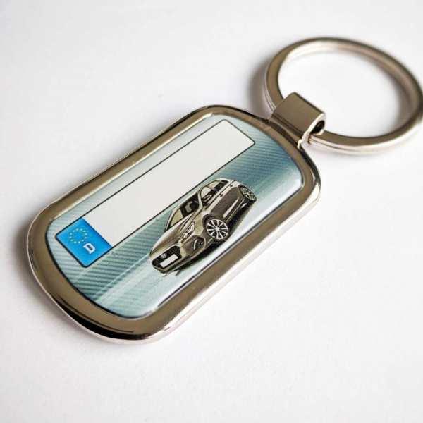 Hyundai i30 mit Kennzeichen Schlüsselanhänger personalisiert Fotodruck mit Gravur auf der Rückseite