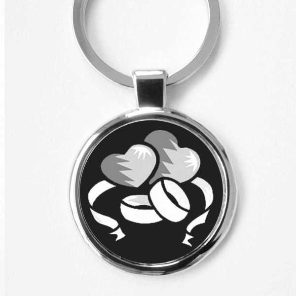 Herzen und Ringe Liebesgeschenk Gravur Schlüsselanhänger