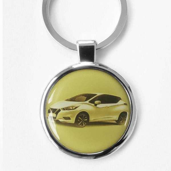 Nissan Micra Schlüsselanhänger personalisiert