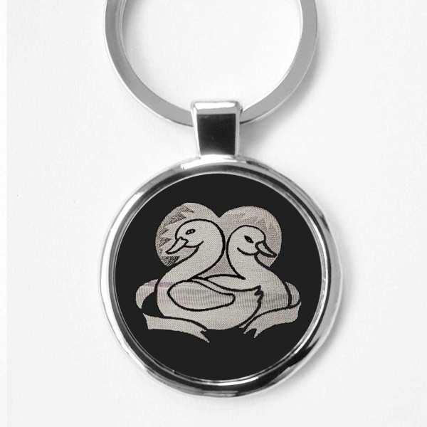 Schwäne Gravur Schlüsselanhänger personalisiert - original Fotogravur